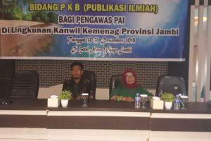 Narasumber Workshop Publikasi Ilmiah Pokjawas PAI