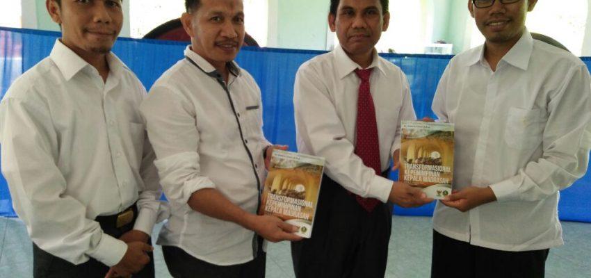 """Karya """"Transformasional Kepemimpinan Kepala Madrasah"""" Sampai Ke STAIN Sorong Papua Barat"""