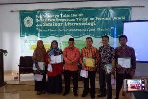 Founder Yayasan Literasi Kita Indonesia – Narasumber Acara Puncak Seminar Literasiologi