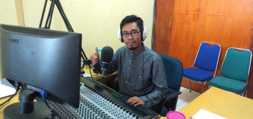 """Dialog """"Pemimpin, Madrasah dan Transformasi"""" Bersama Dr. Sumarto, Live in Radio Pesona FM 94,1 Mhz"""