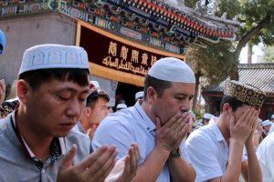 MENJADI CHINA, MENJADI ISLAM, MENJADI INDONESIA