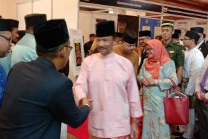 Konferensi Antarabangsa dan bertemu dengan Sultan Hasanul Bolqiah Brunei Darussalam.