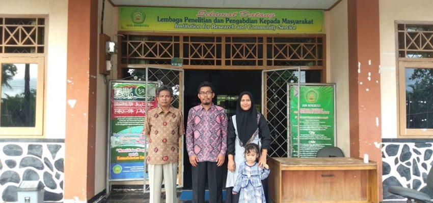 Bersama Kepala LP2M IAIN Bengkulu, Dr. Mus Mulyadi, M.Pd, Reuni Brunei