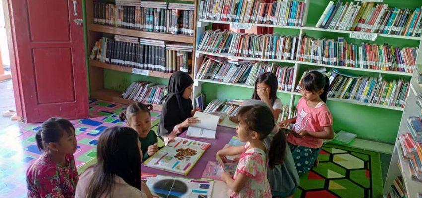 Menggerakkan Literasi dari Desa